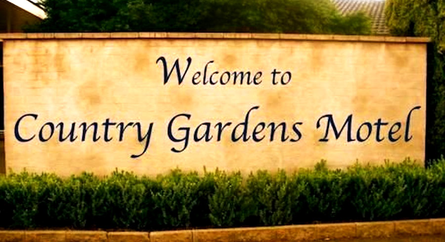 <?=Country Gardens Motel; ?>